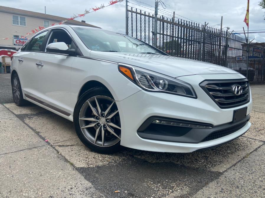 Used Hyundai Sonata 4dr Sdn 2.0T Limited w/Gray Accents 2015 | Champion Used Auto Sales LLC. Newark, New Jersey