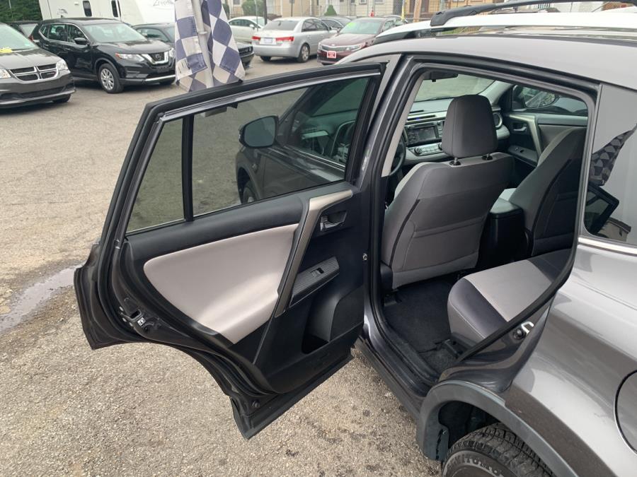 Used Toyota RAV4 AWD 4dr XLE (Natl) 2014 | Auto Haus of Irvington Corp. Irvington , New Jersey