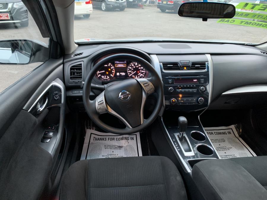 Used Nissan Altima 4dr Sdn I4 2.5 S 2014 | Auto Haus of Irvington Corp. Irvington , New Jersey