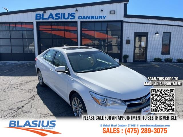 Used Toyota Camry Hybrid XLE 2017   Blasius Federal Road. Brookfield, Connecticut