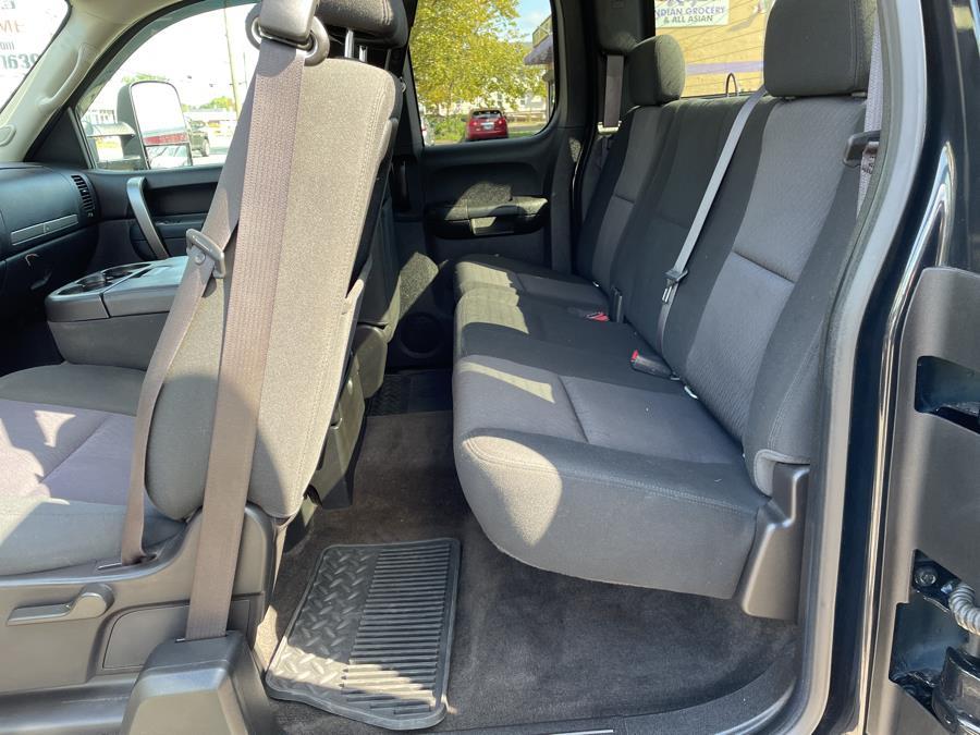 "Used Chevrolet Silverado 1500 4WD Ext Cab 143.5"" LT 2012 | Auto Store. West Hartford, Connecticut"
