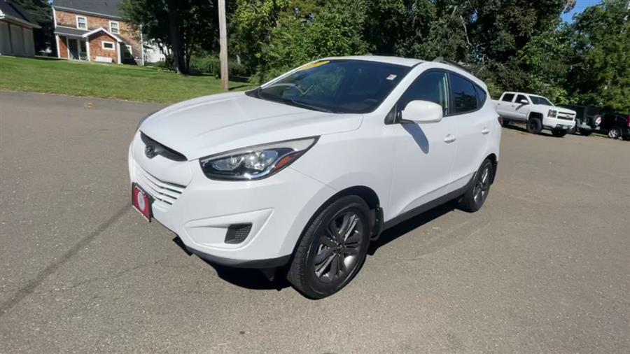 Used Hyundai Tucson FWD 4dr GLS 2014 | Wiz Leasing Inc. Stratford, Connecticut