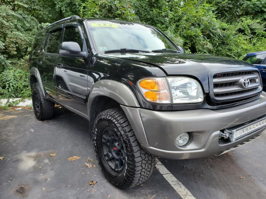 Used Toyota Sequoia 4dr SR5 4WD (Natl) 2004 | Capital Lease and Finance. Brockton, Massachusetts