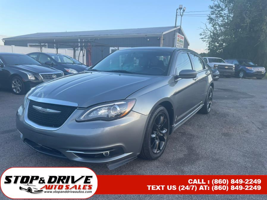 Used Chrysler 200 4dr Sdn Limited 2013 | Stop & Drive Auto Sales. East Windsor, Connecticut
