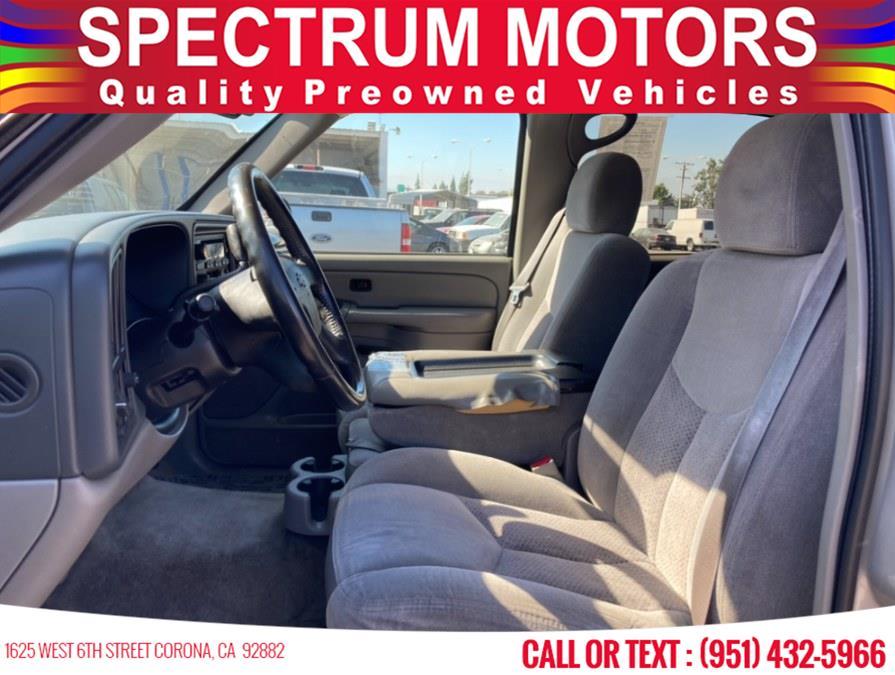 Used Chevrolet Suburban 4dr 1500 LS 2004   Spectrum Motors. Corona, California