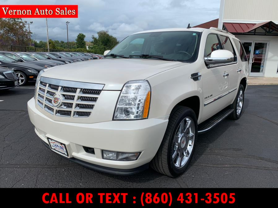 Used Cadillac Escalade AWD 4dr Luxury 2013 | Vernon Auto Sale & Service. Manchester, Connecticut