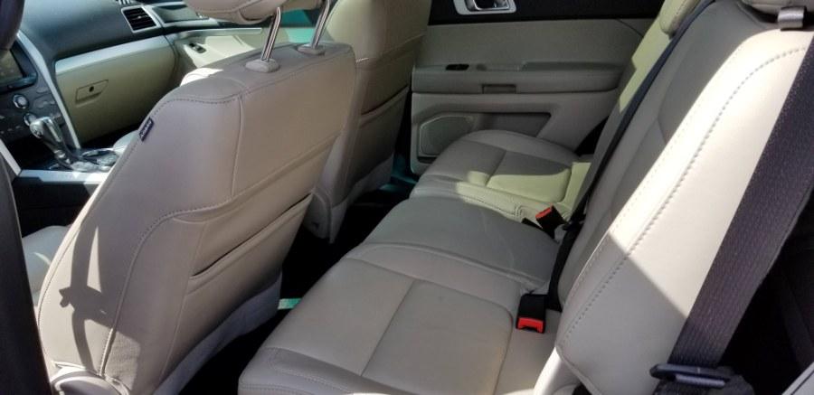 Used Ford Explorer 4WD 4dr XLT 2014   Carmoney Auto Sales. Baldwin, New York