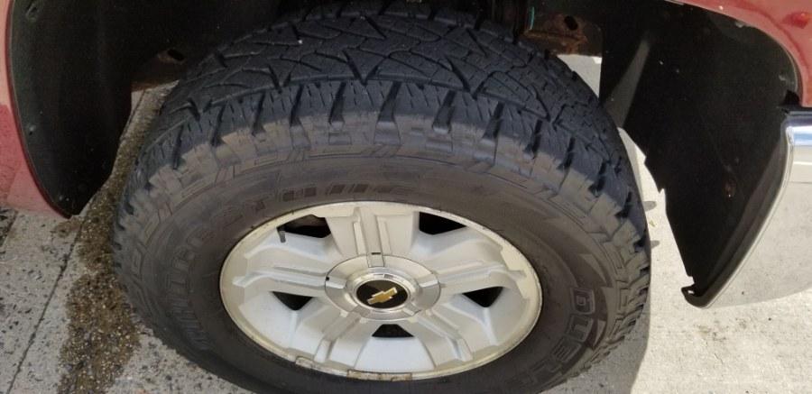 "Used Chevrolet Silverado 1500 4WD Ext Cab 143.5"" LT 2013   Carmoney Auto Sales. Baldwin, New York"