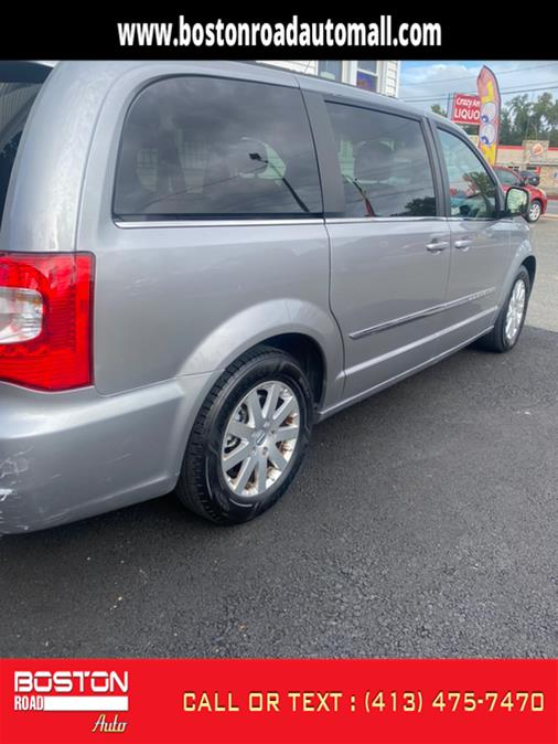 Used Chrysler Town & Country 4dr Wgn Touring 2015 | Boston Road Auto. Springfield, Massachusetts
