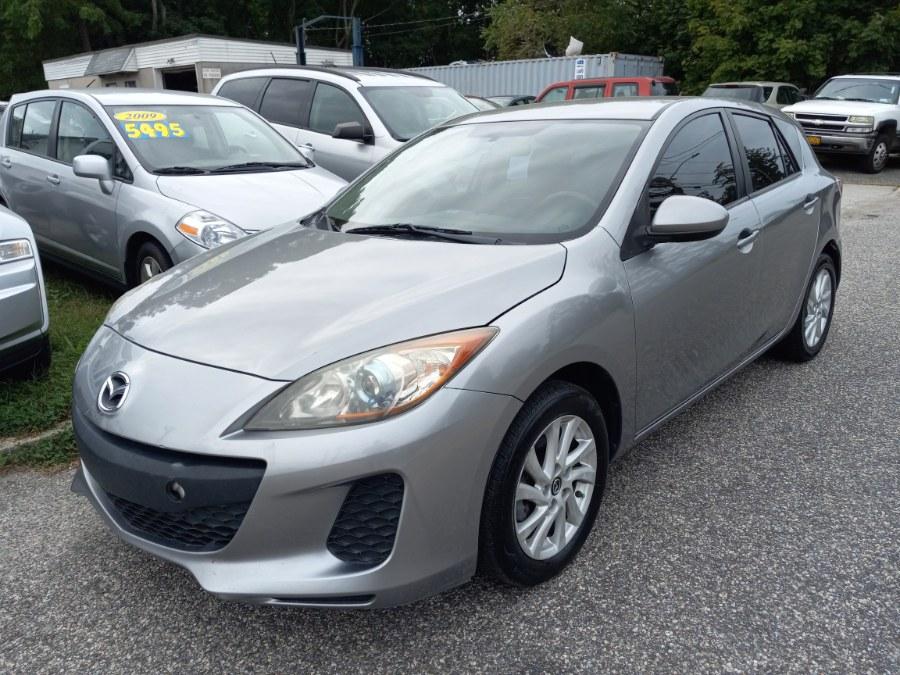 Used 2013 Mazda Mazda3 in Patchogue, New York | Romaxx Truxx. Patchogue, New York