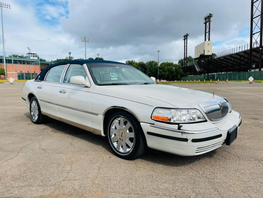 Used Lincoln Town Car 4dr Sdn Ultimate 2004   Supreme Automotive. New Britain, Connecticut