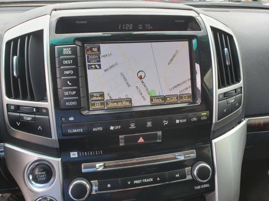 Used Toyota Land Cruiser 4dr 4WD (Natl) 2013 | Capital Lease and Finance. Brockton, Massachusetts