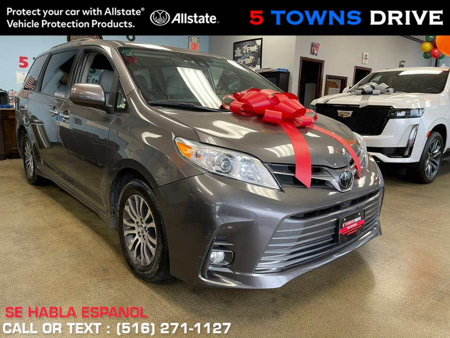 Used Toyota Sienna XLE FWD 8-Passenger (Natl) 2018 | 5 Towns Drive. Inwood, New York