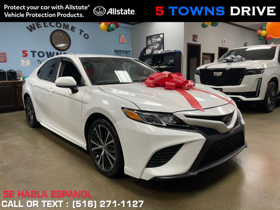 Used Toyota Camry SE Auto (Natl) 2020 | 5 Towns Drive. Inwood, New York