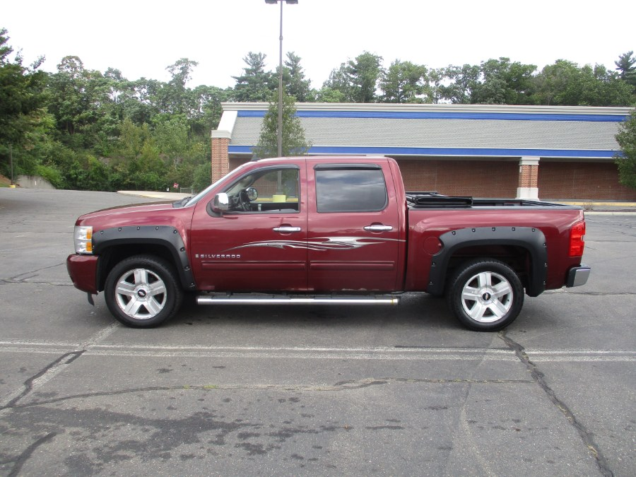 "Used Chevrolet Silverado 1500 4WD Crew Cab 143.5"" LT 2009 | Universal Motors LLC. New Britain, Connecticut"