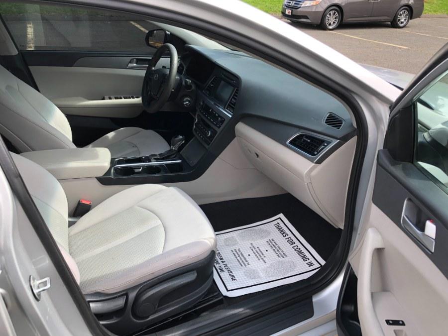 Used Hyundai Sonata 4dr Sdn 2.4L SE 2016 | Ledyard Auto Sale LLC. Hartford , Connecticut