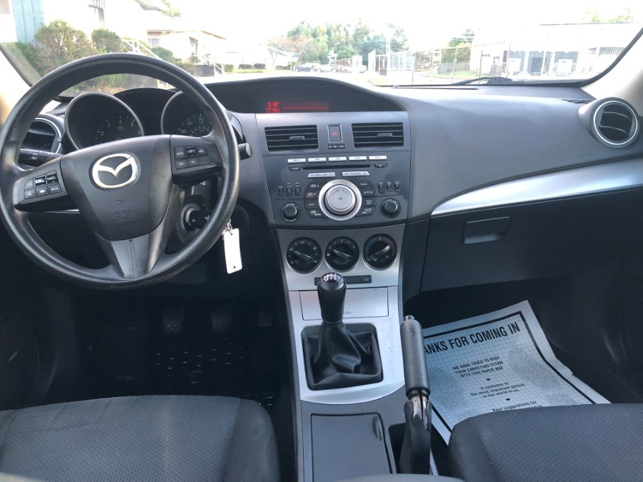 Used Mazda Mazda3 4dr Sdn Auto i Touring 2010   Ledyard Auto Sale LLC. Hartford , Connecticut