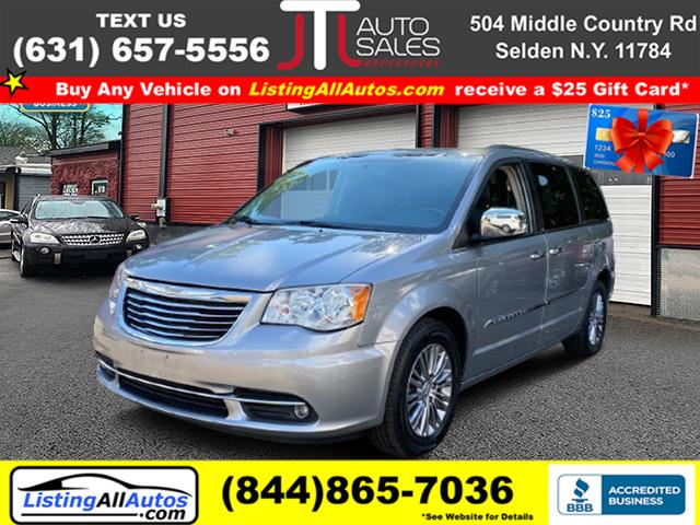 Used 2013 Chrysler Town & Country in Patchogue, New York | www.ListingAllAutos.com. Patchogue, New York