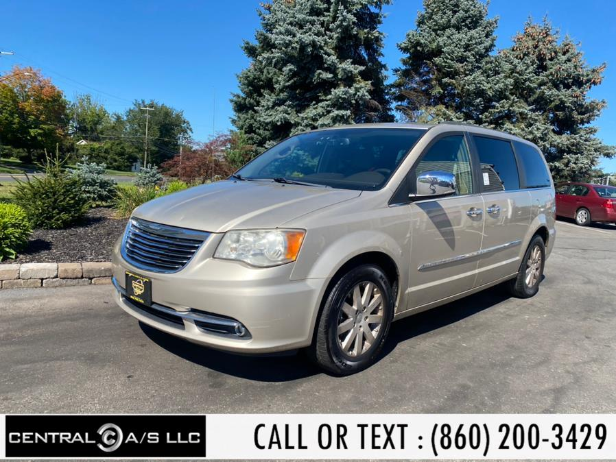 Used Chrysler Town & Country 4dr Wgn Touring-L 2012   Central A/S LLC. East Windsor, Connecticut