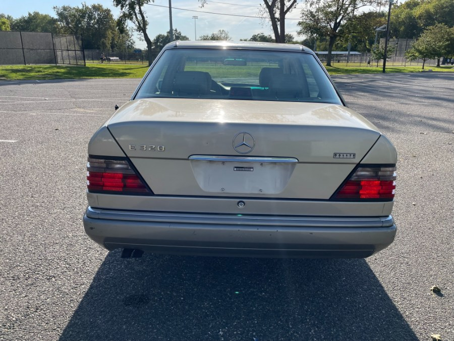 Used Mercedes-Benz 300 Series 4dr Sedan 3.2L Auto 1994   Cars With Deals. Lyndhurst, New Jersey