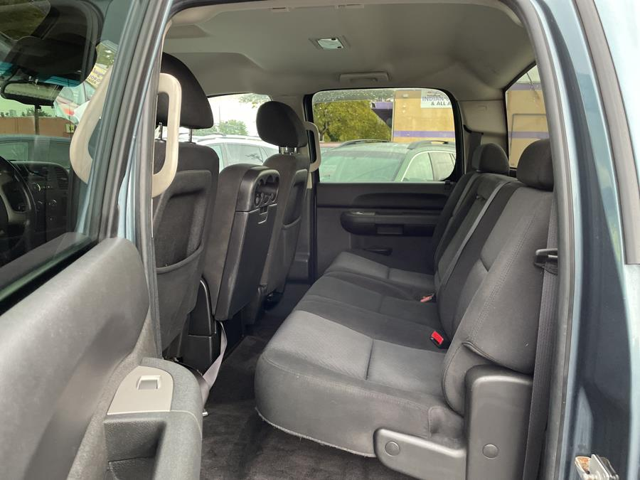 "Used Chevrolet Silverado 1500 4WD Crew Cab 143.5"" LT 2010 | Auto Store. West Hartford, Connecticut"