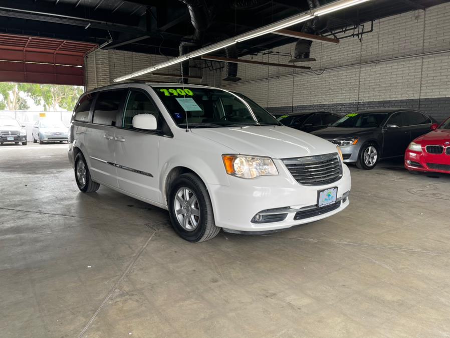 Used 2011 Chrysler Town & Country in Garden Grove, California | U Save Auto Auction. Garden Grove, California