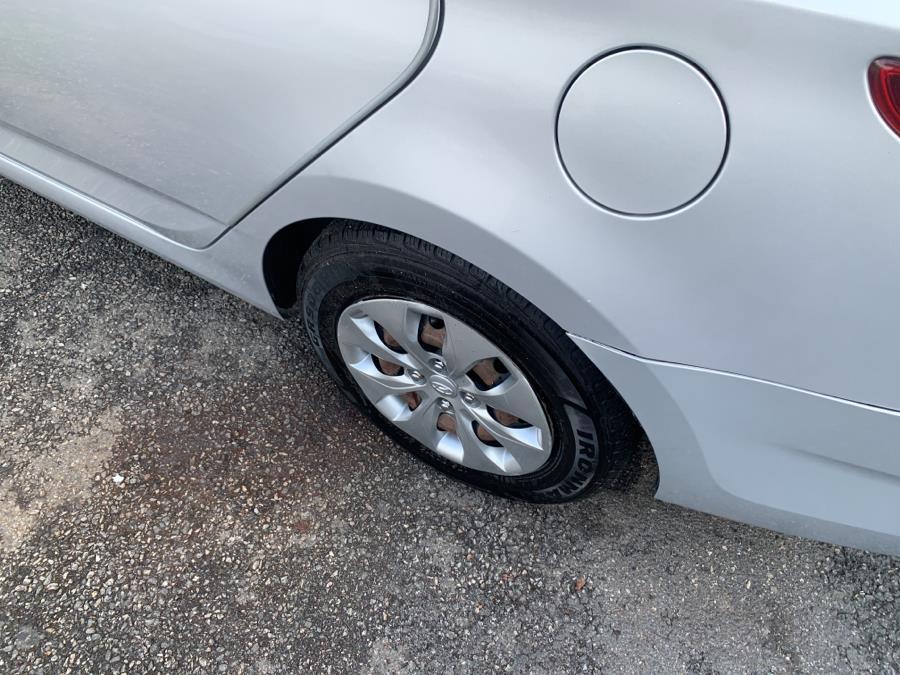 Used Hyundai Accent 4dr Sdn Auto SE 2016 | Auto Haus of Irvington Corp. Irvington , New Jersey