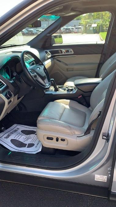 Used Ford Explorer 4WD 4dr XLT 2012 | A-Tech. Medford, Massachusetts
