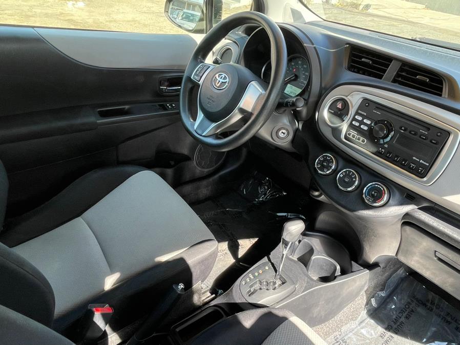 Used Toyota Yaris 3dr Liftback Auto LE (Natl) 2012   Green Light Auto. Corona, California