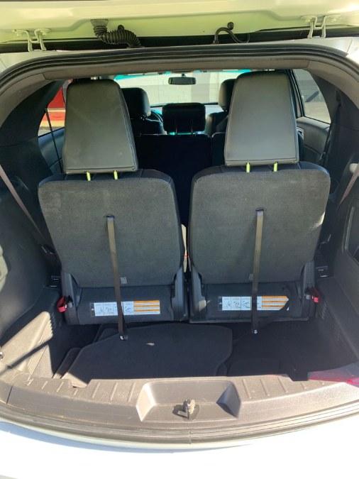 Used Ford Explorer 4WD 4dr XLT 2013   A-Tech. Medford, Massachusetts