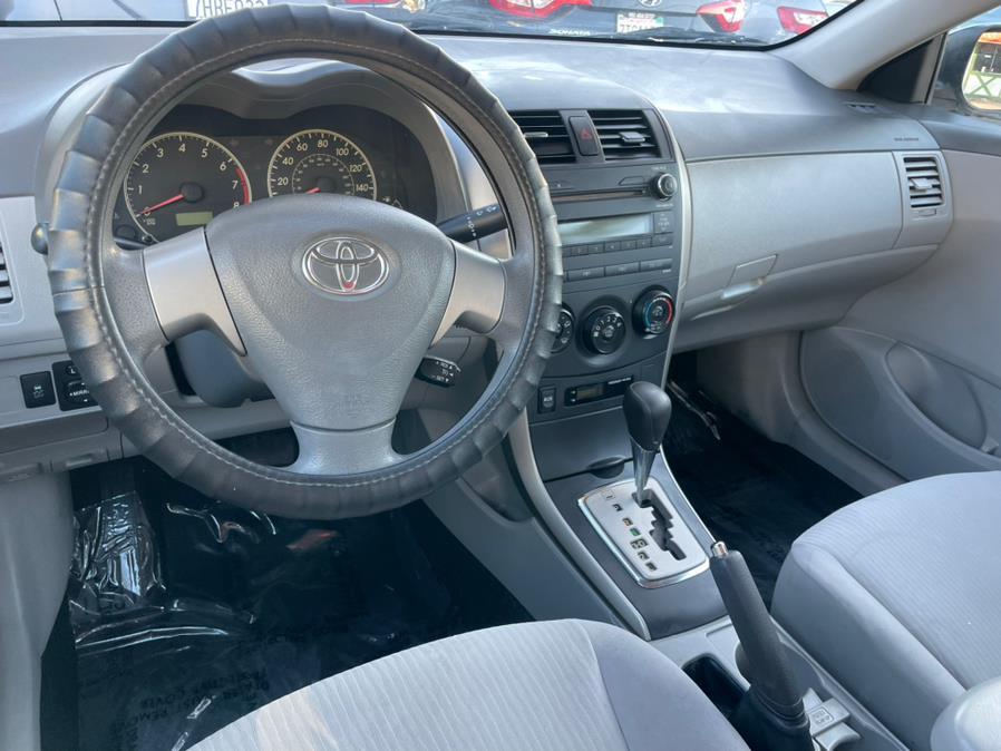 Used Toyota Corolla 4dr Sdn Auto LE (Natl) 2010   Green Light Auto. Corona, California