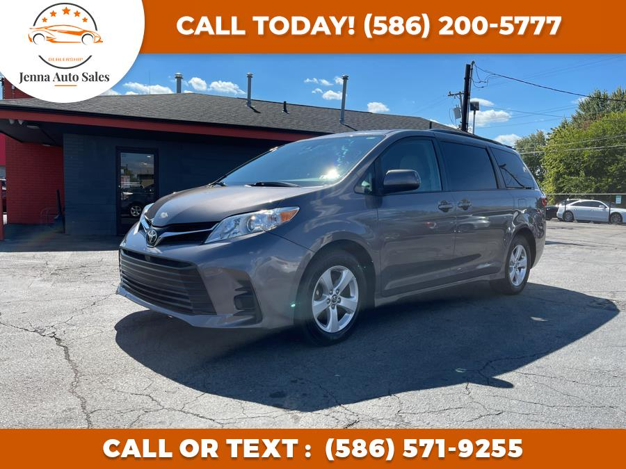 Used Toyota Sienna LE FWD 8-Passenger (Natl) 2018 | Jenna Auto Sale Inc. Roseville, Michigan