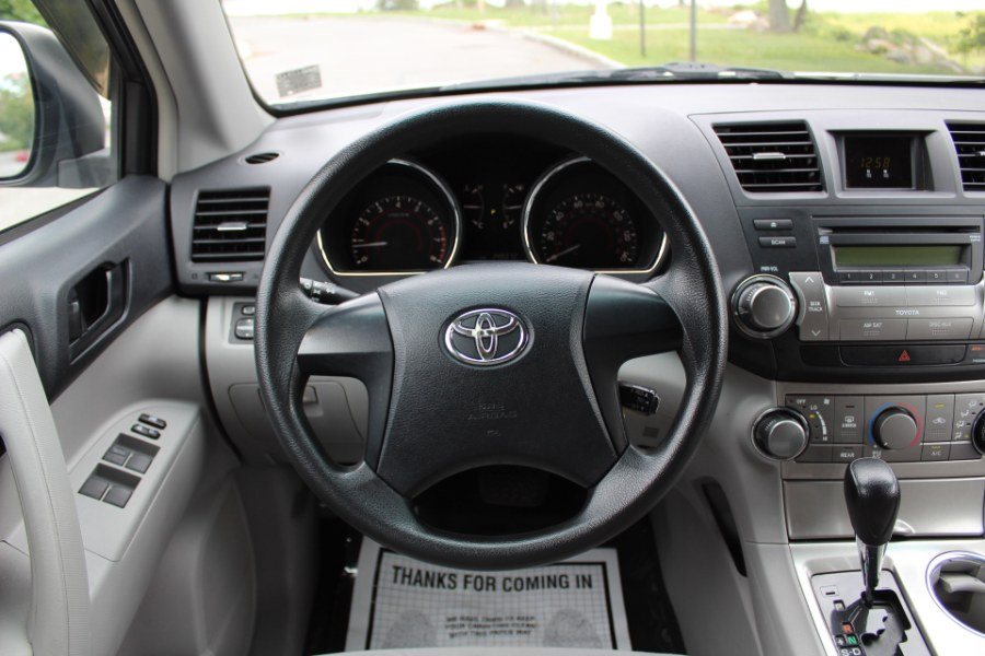 2011 Toyota Highlander 4WD 4dr V6, available for sale in Great Neck, NY