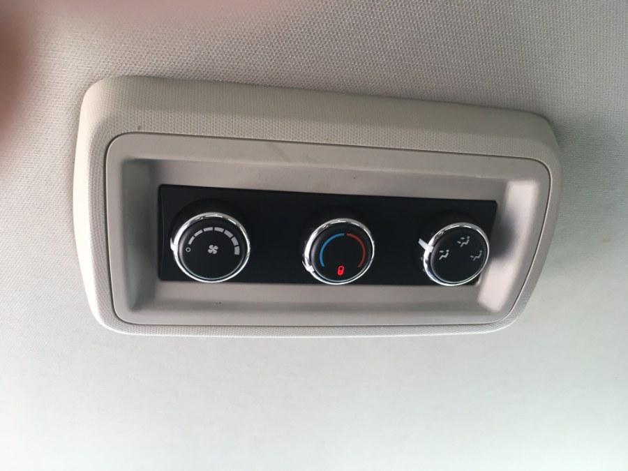 Used Dodge Grand Caravan 4dr Wgn SXT 2013 | MACARA Vehicle Services, Inc. Norwich, Connecticut