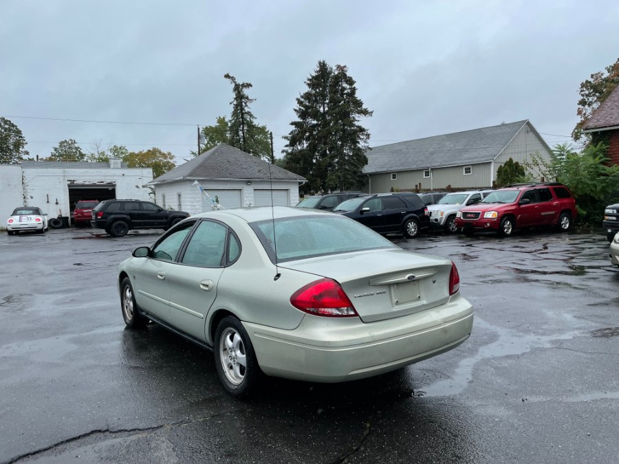 Used Ford Taurus 4dr Sdn SES 2004 | CT Car Co LLC. East Windsor, Connecticut