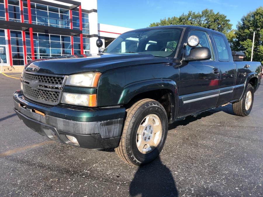 "Used Chevrolet Silverado 1500 Classic 4WD Ext Cab 143.5"" LS 2007   Marsh Auto Sales LLC. Ortonville, Michigan"
