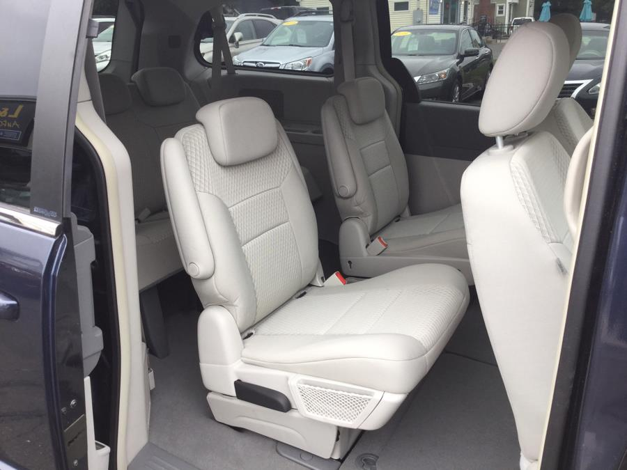 Used Chrysler Town & Country 4dr Wgn Touring 2008   L&S Automotive LLC. Plantsville, Connecticut