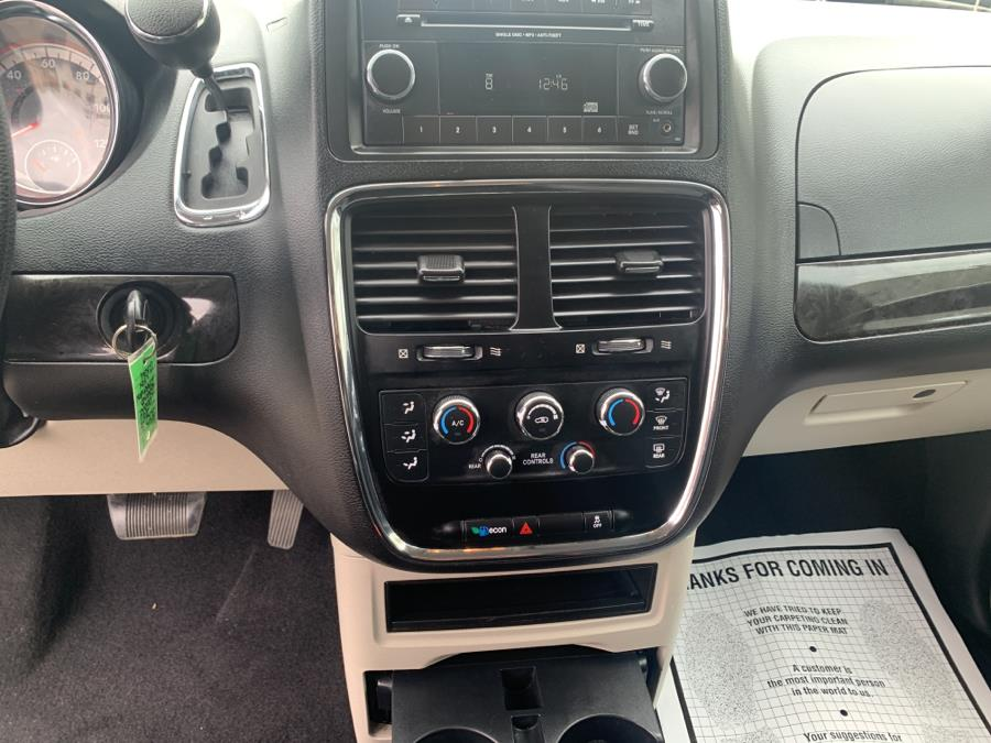 Used Dodge Grand Caravan SE Wagon 2017   Auto Haus of Irvington Corp. Irvington , New Jersey