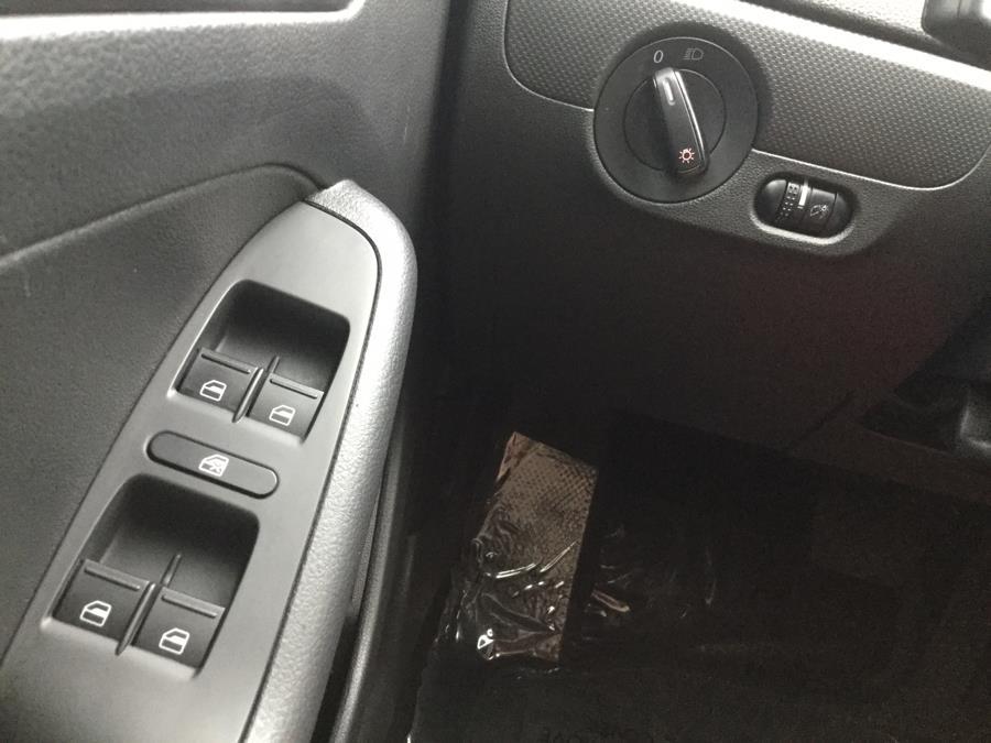 Used Volkswagen Jetta Sedan 4dr Auto 2.0L S w/Technology 2015 | L&S Automotive LLC. Plantsville, Connecticut