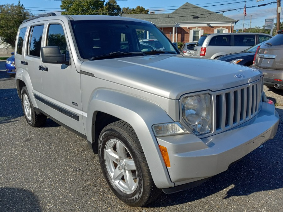 Used 2009 Jeep Liberty in Patchogue, New York | Romaxx Truxx. Patchogue, New York