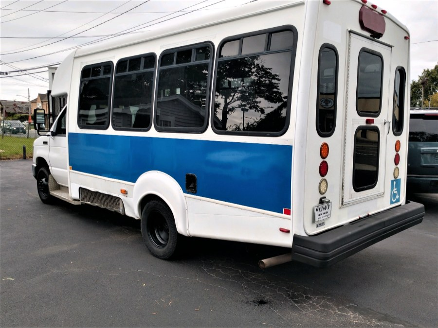 Used 2012 Ford E450 in COPIAGUE, New York | Warwick Auto Sales Inc. COPIAGUE, New York