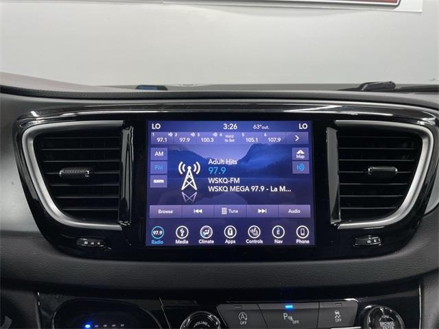 Used Chrysler Pacifica Touring L Plus 2018   Eastchester Motor Cars. Bronx, New York