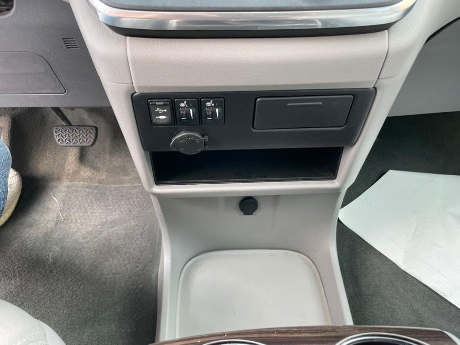 2017 Toyota Sienna XLE FWD 8-Passenger (Natl), available for sale in Brooklyn, NY