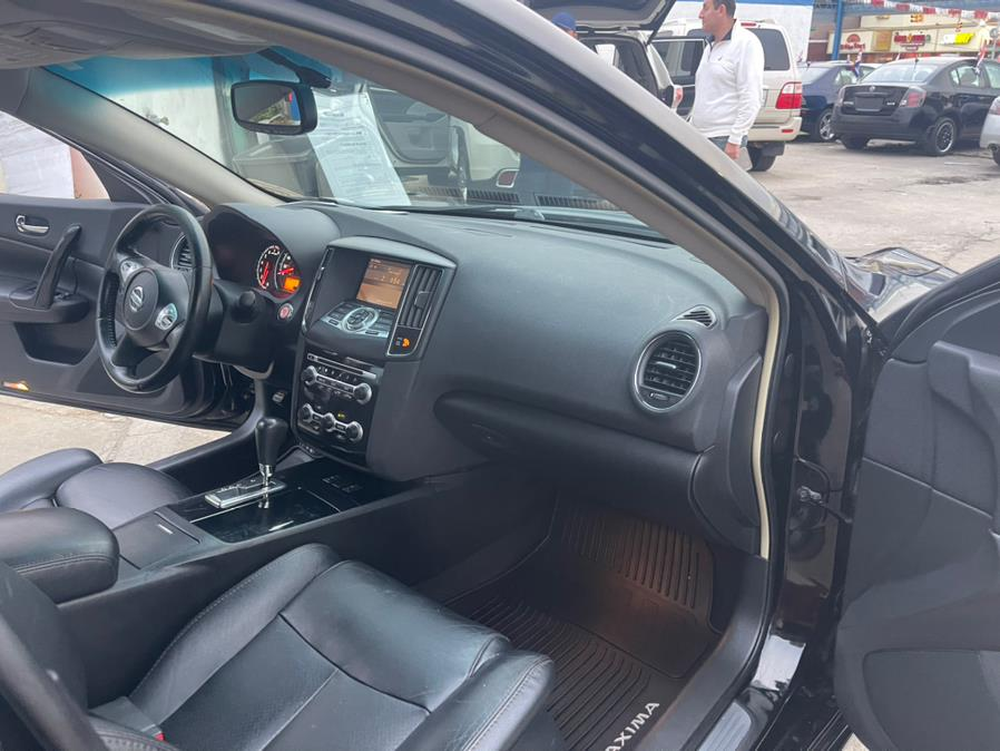 Used Nissan Maxima 4dr Sdn V6 CVT 3.5 SV w/Sport Pkg 2011 | Brooklyn Auto Mall LLC. Brooklyn, New York