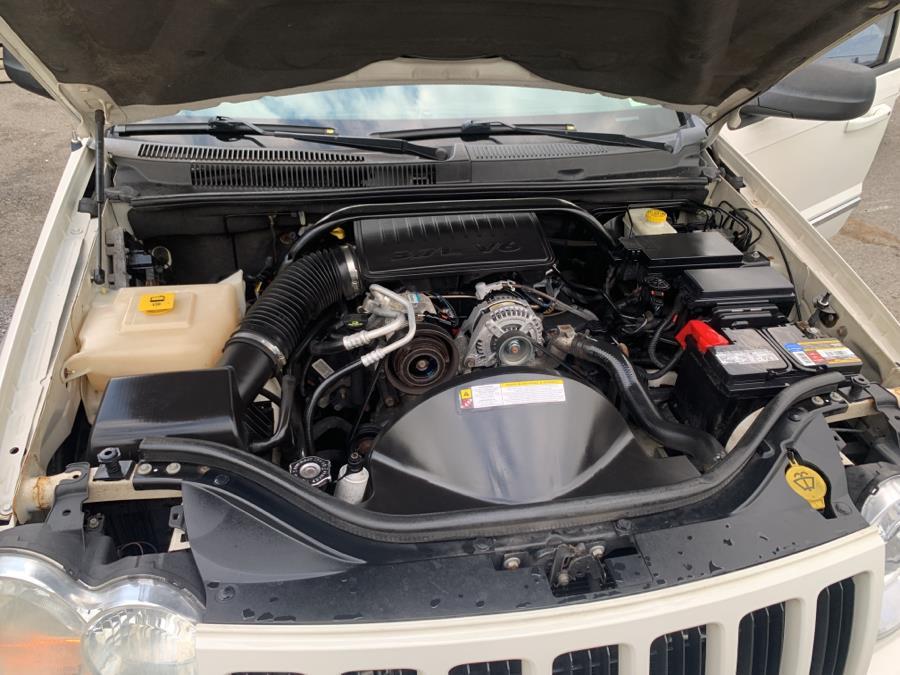 Used Jeep Grand Cherokee 4WD 4dr Laredo 2010 | Auto Haus of Irvington Corp. Irvington , New Jersey