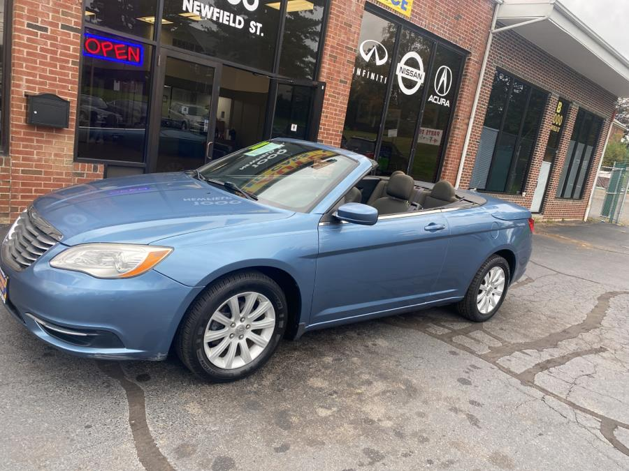 Used Chrysler 200 2dr Conv Touring 2011 | Newfield Auto Sales. Middletown, Connecticut