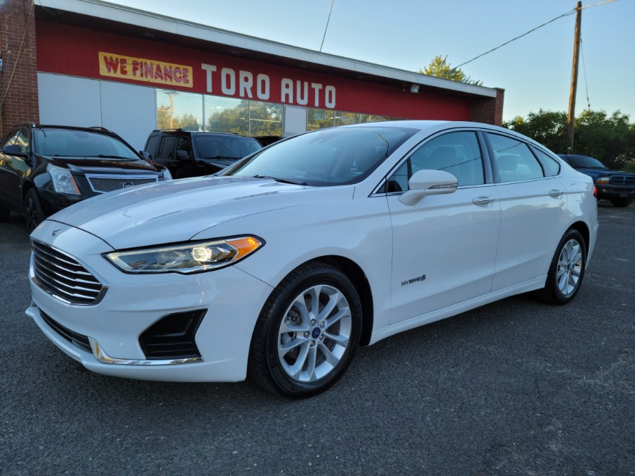 Used Ford Fusion Hybrid SEL FWD 2019 | Toro Auto. East Windsor, Connecticut