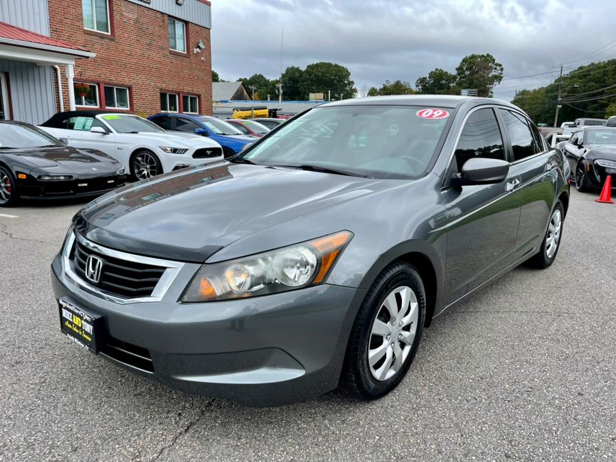 Used Honda Accord Sdn 4dr I4 Auto LX 2009 | Mike And Tony Auto Sales, Inc. South Windsor, Connecticut