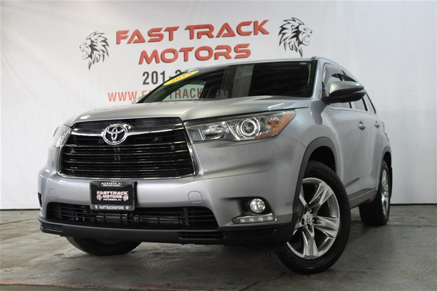 Used Toyota Highlander LIMITED 2015 | Fast Track Motors. Paterson, New Jersey