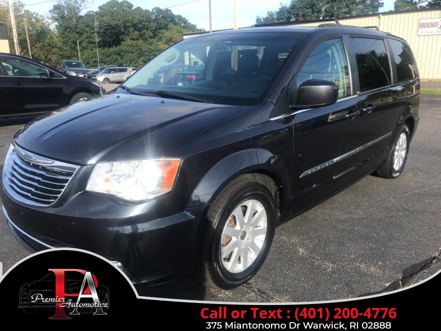 Used 2014 Chrysler Town & Country in Warwick, Rhode Island | Premier Automotive Sales. Warwick, Rhode Island